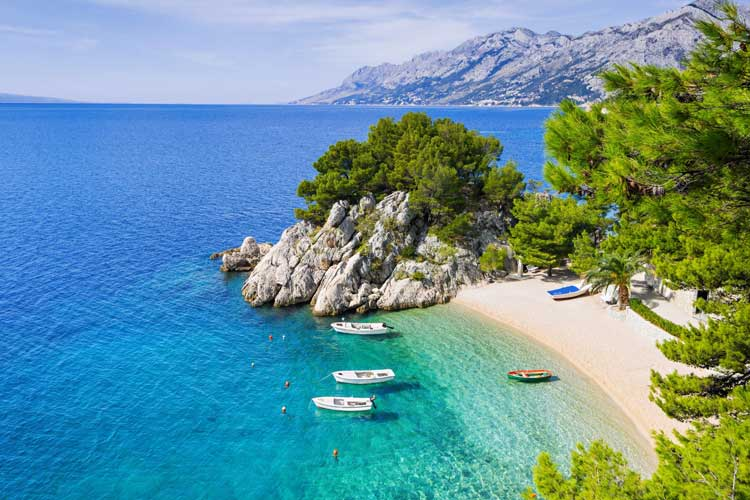 Perfect Destination for Sailing Trips